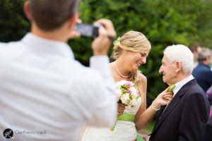 sposi coi nonni al termine della cerimonia