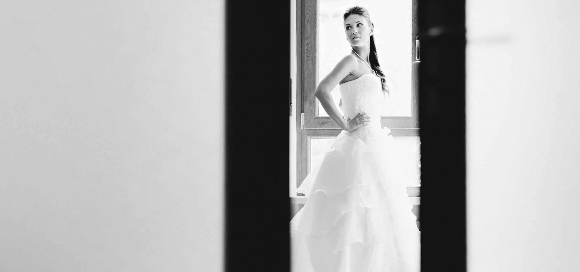 foto rubata alla sposa mentre prova l'abito per le nozze a torino