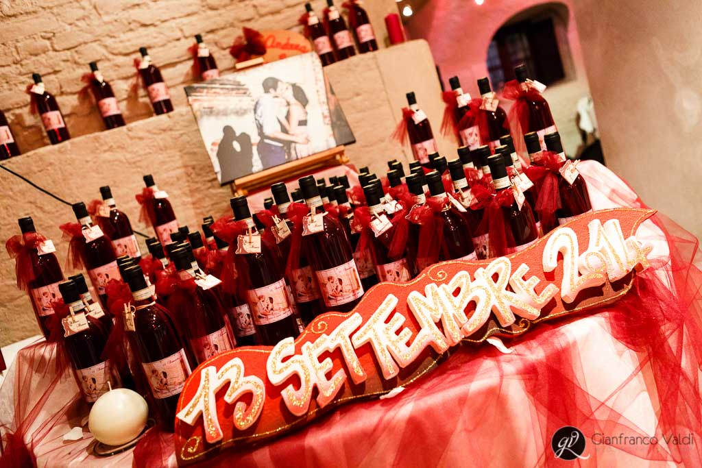 vino e bomboniere al ricevimento