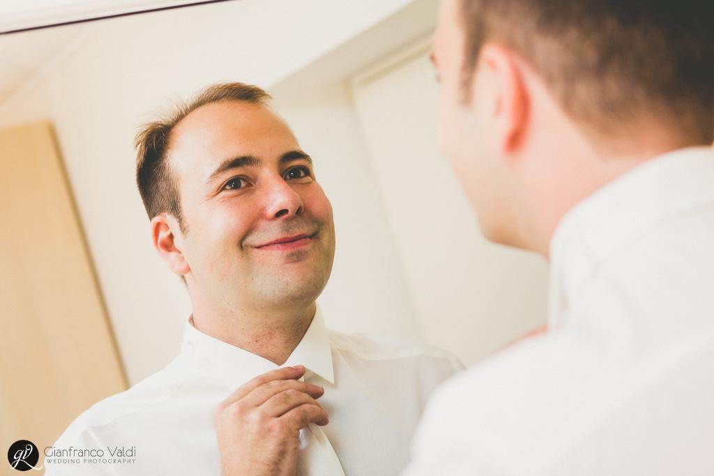 Un'aggiustatina davanti allo specchio