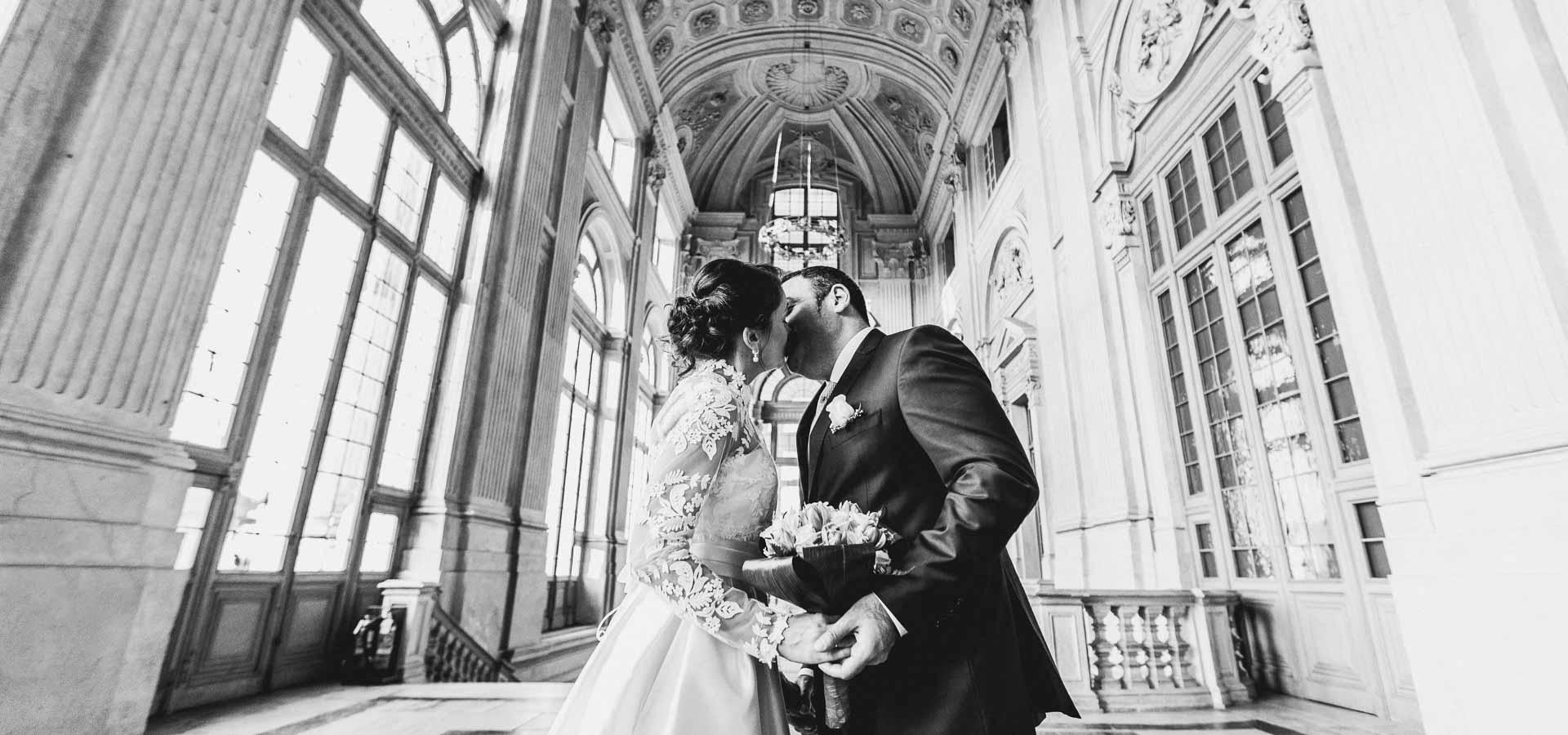 Due sposi russi celebrano le proprie nozze a Torino in centro città e in collina