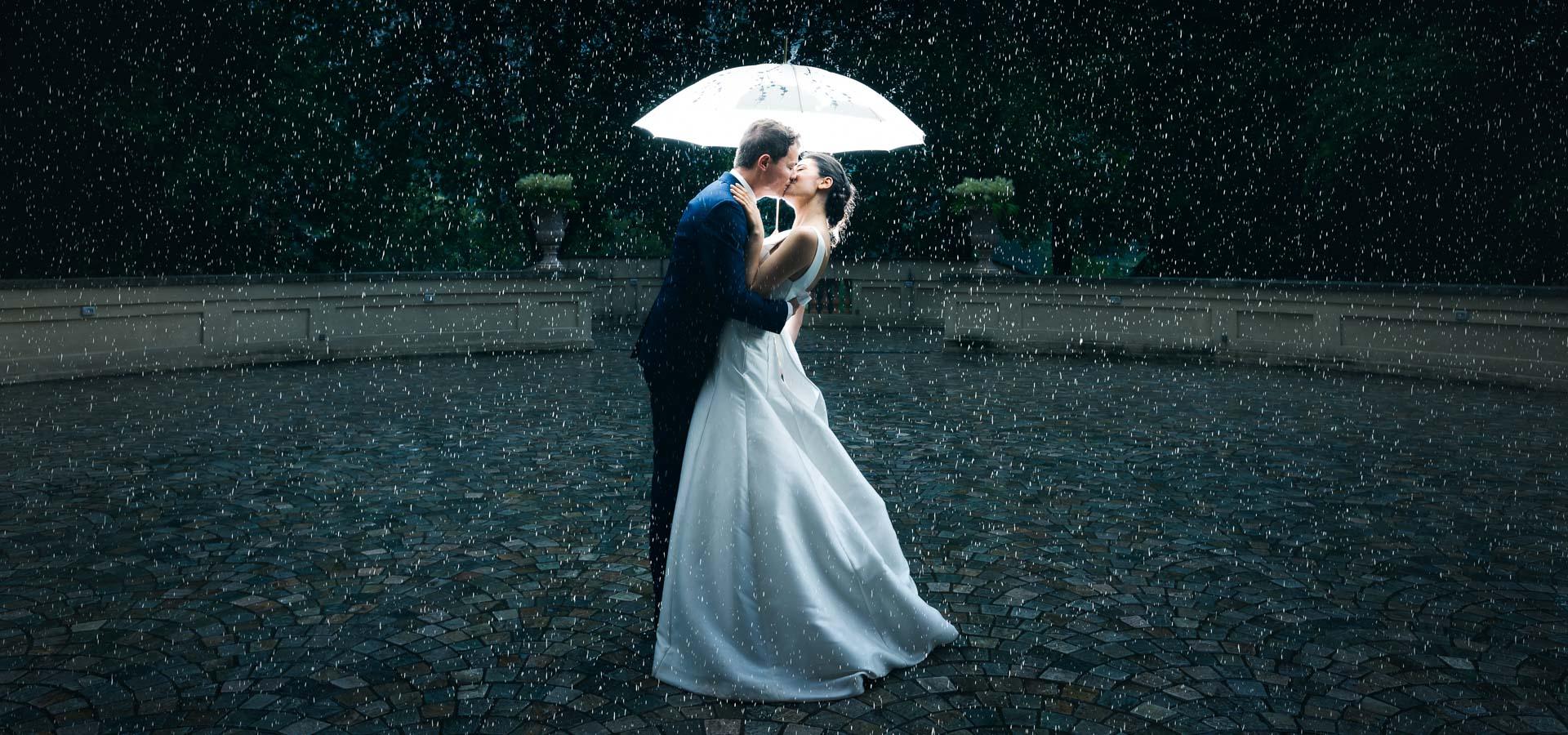 passione-sotto-la-pioggia-per-gianluca-e-lucia