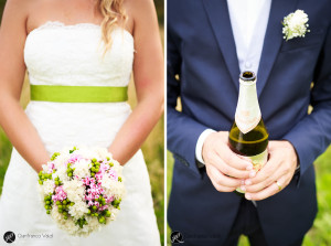 una simpatica immagine del bouquet della sposa e dello sposo