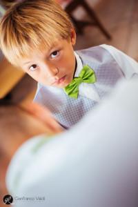 il bambino a breve assisterà al matrimonio dei genitori