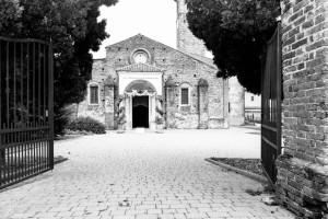 una chiesa in cui celebrare un matrimonio romantico