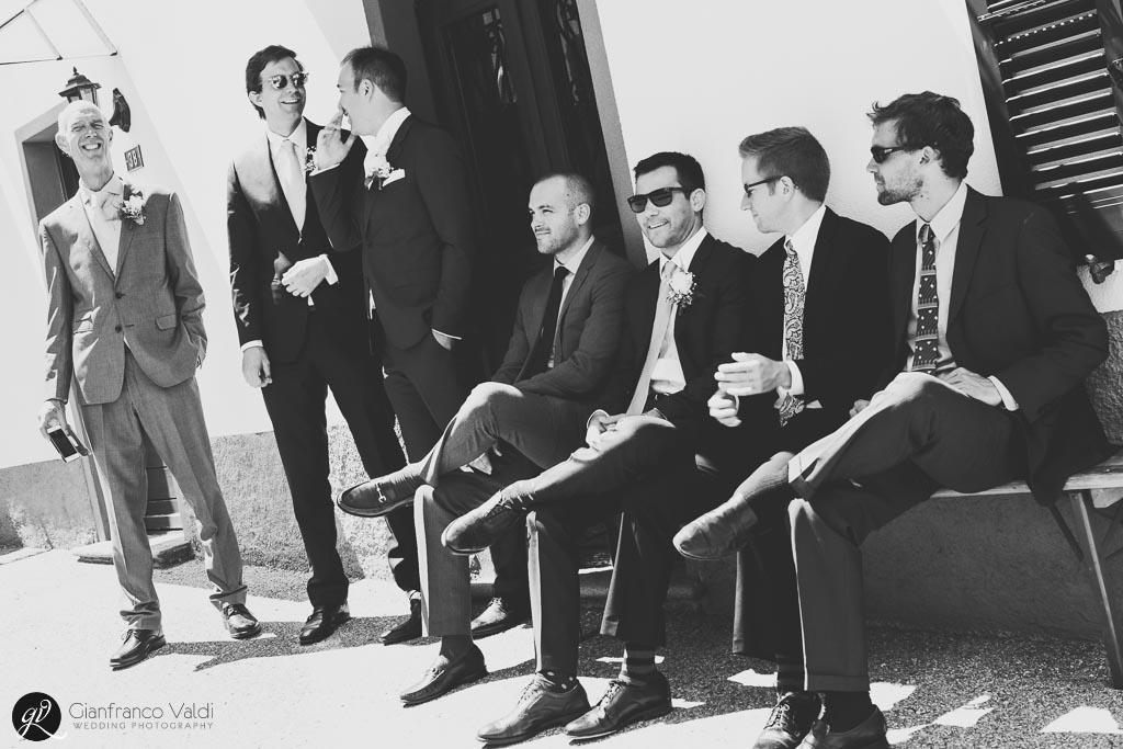 Foto di gruppo degli uomini del matrimonio