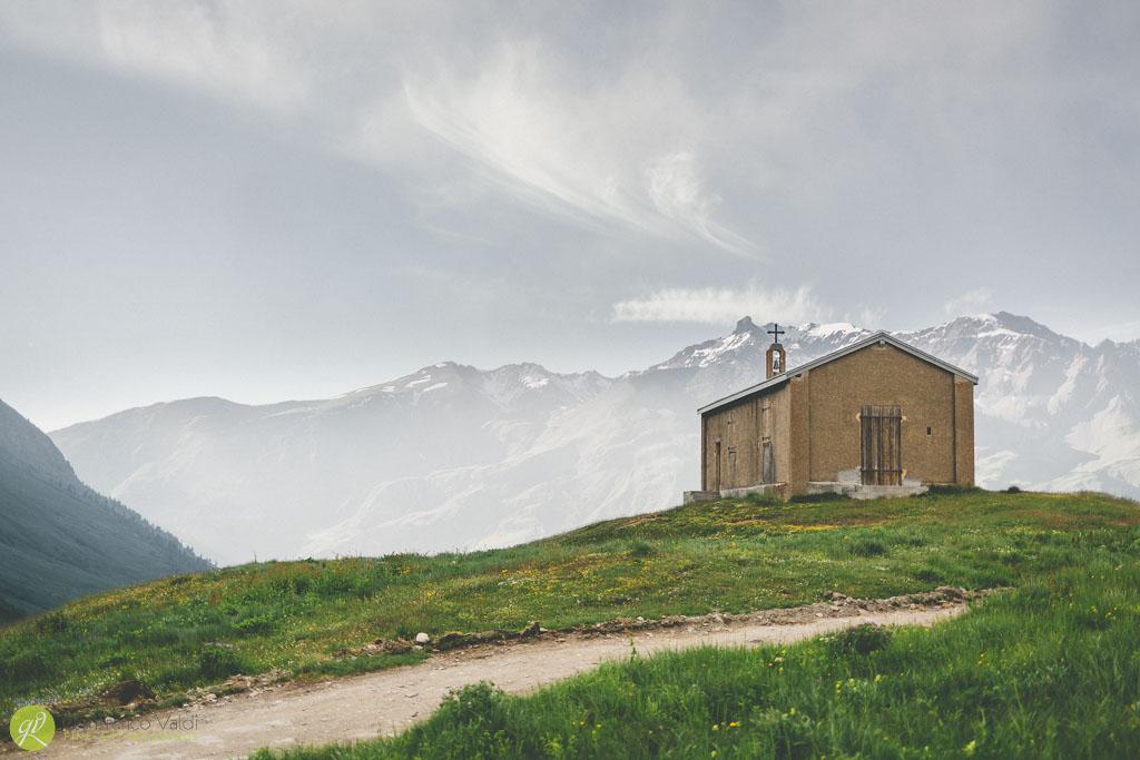 chiesa-francese-nella-vallata